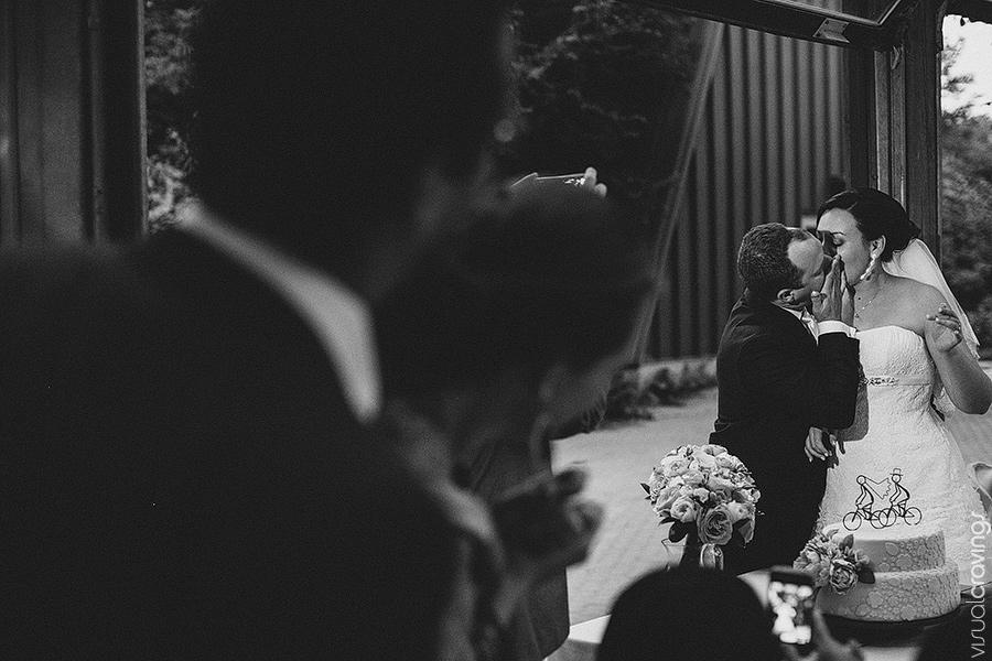 Kortright-centre-wedding-photographer-visual-cravings-ArinaMurray_135