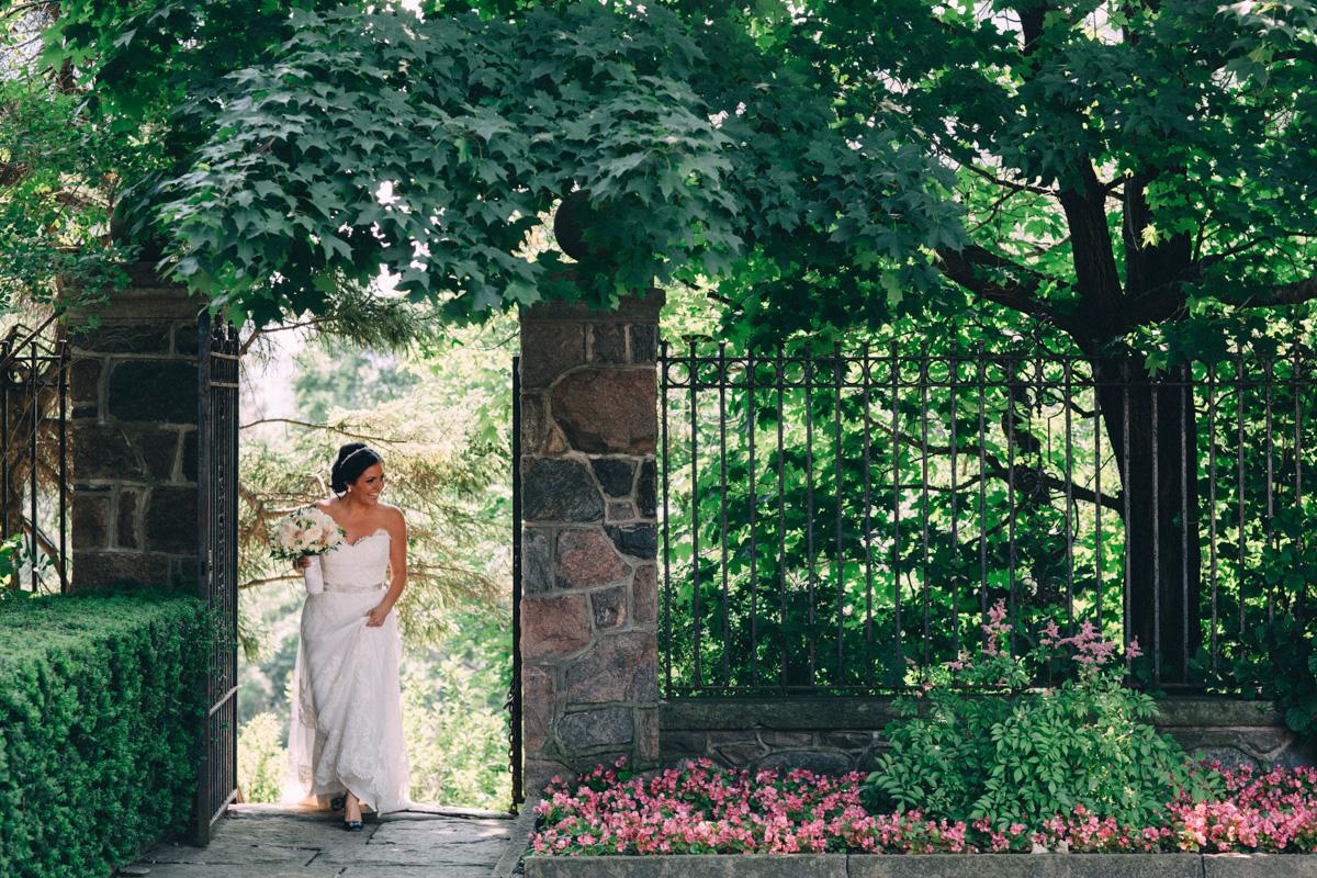 Graydon-Hall-Wedding-Photography-Julia-Paul-Toronto-wedding-photographer-Visual-Cravings_13
