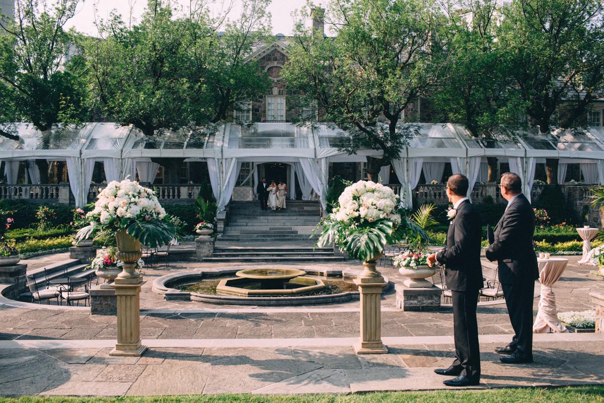 Graydon-Hall-Wedding-Photography-Julia-Paul-Toronto-wedding-photographer-Visual-Cravings_22