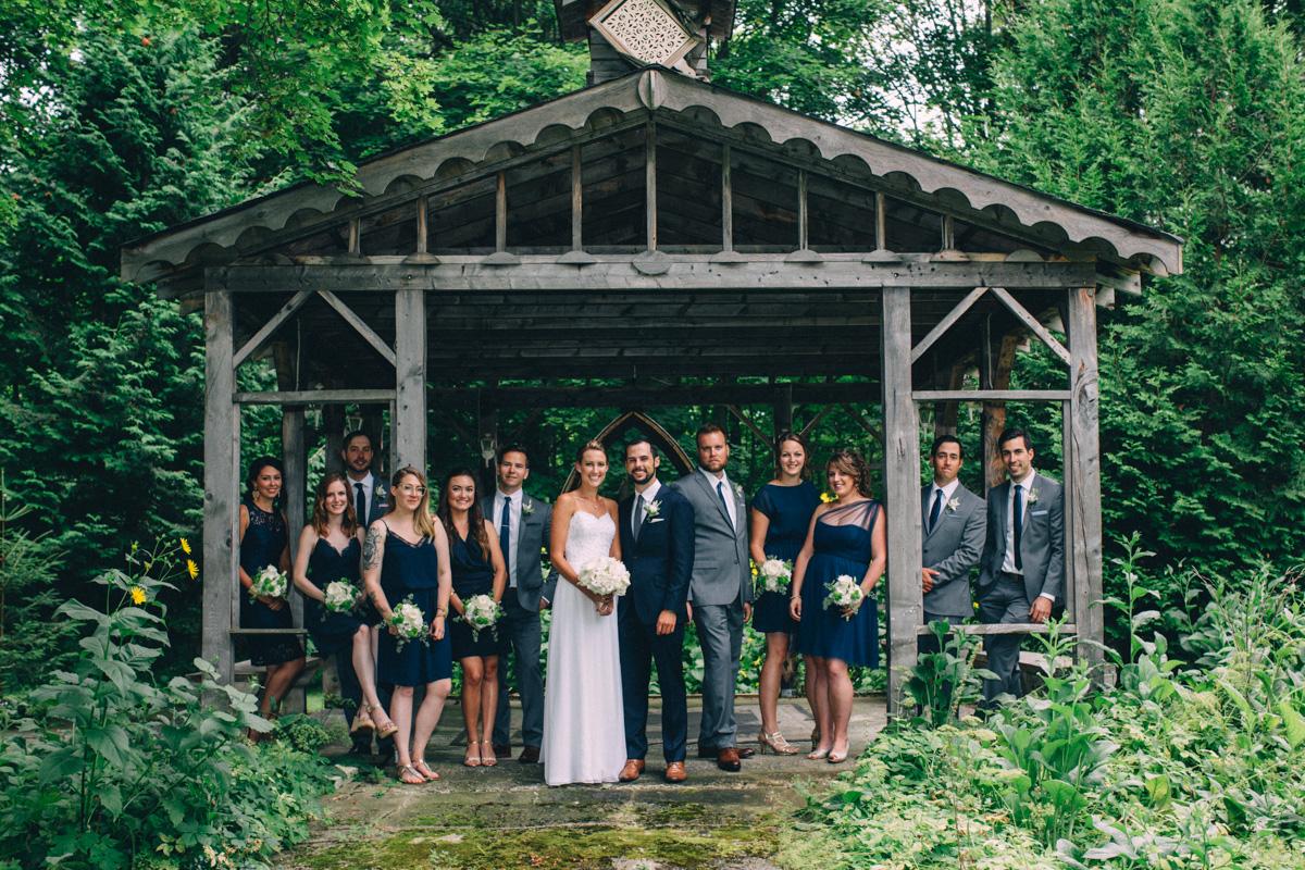 Sir-William-MacKenzie-Inn-wedding-Balsam-Lake-cottage-wedding-photoraphy-by-Sam-Wong-Visual-Cravings-ErinKyle_24