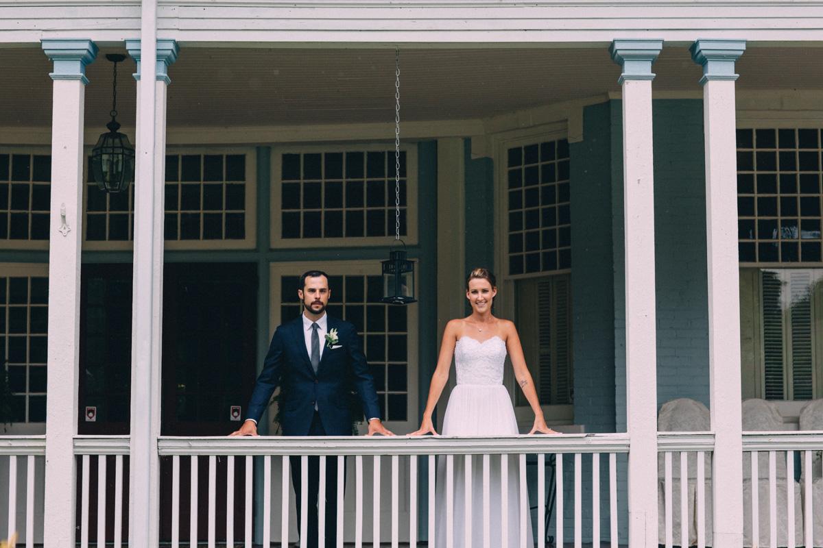 Sir-William-MacKenzie-Inn-wedding-Balsam-Lake-cottage-wedding-photoraphy-by-Sam-Wong-Visual-Cravings-ErinKyle_27