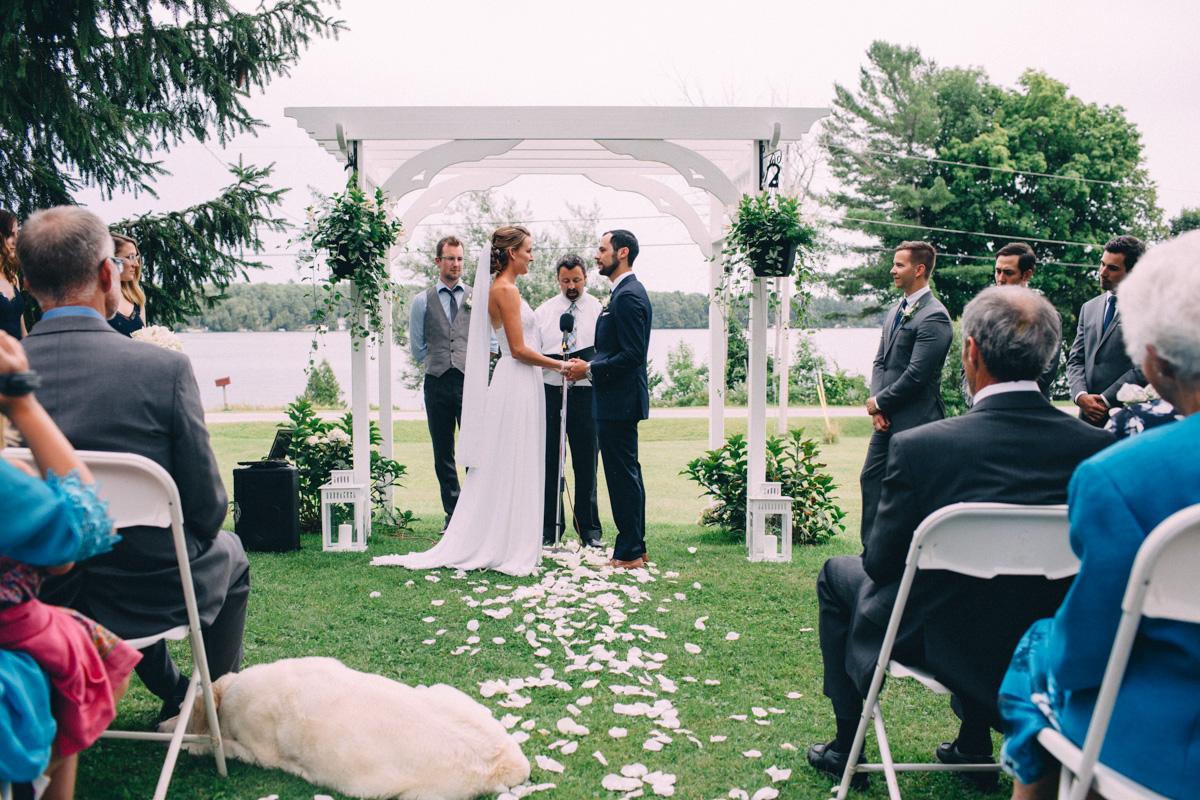 Sir-William-MacKenzie-Inn-wedding-Balsam-Lake-cottage-wedding-photoraphy-by-Sam-Wong-Visual-Cravings-ErinKyle_34