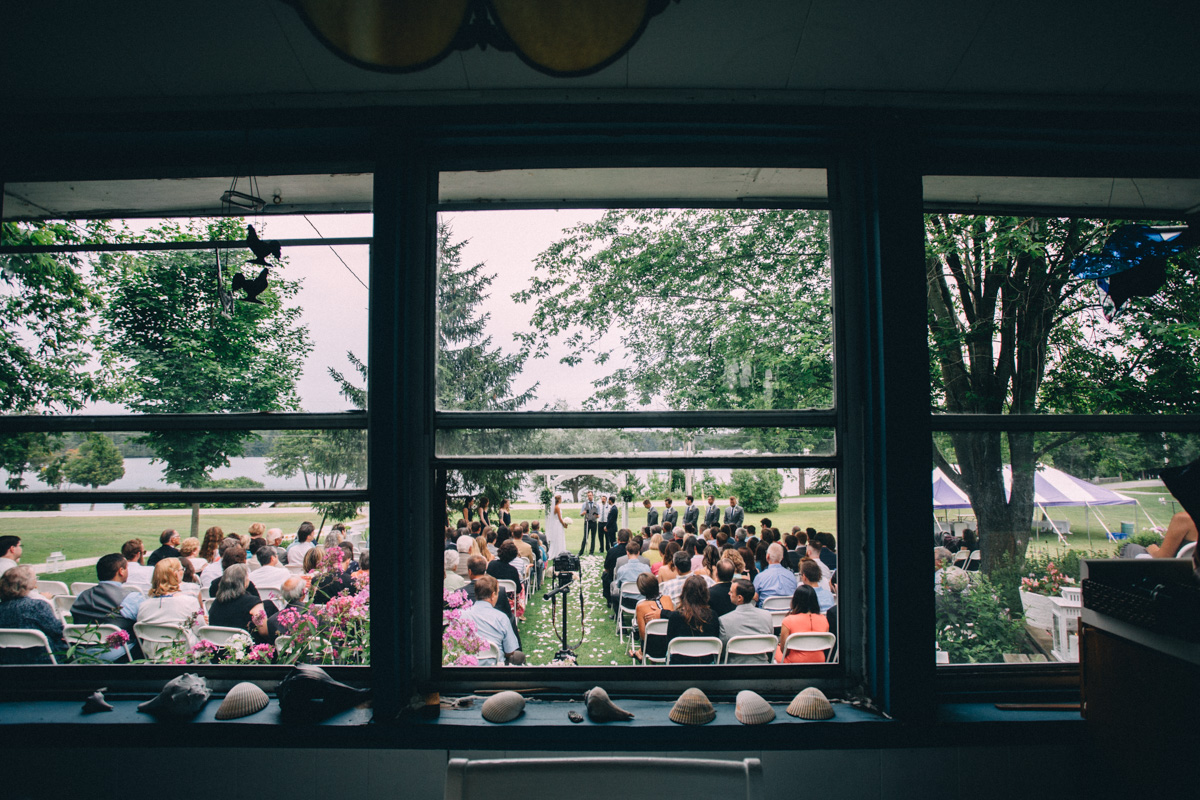 Sir-William-MacKenzie-Inn-wedding-Balsam-Lake-cottage-wedding-photoraphy-by-Sam-Wong-Visual-Cravings-ErinKyle_35