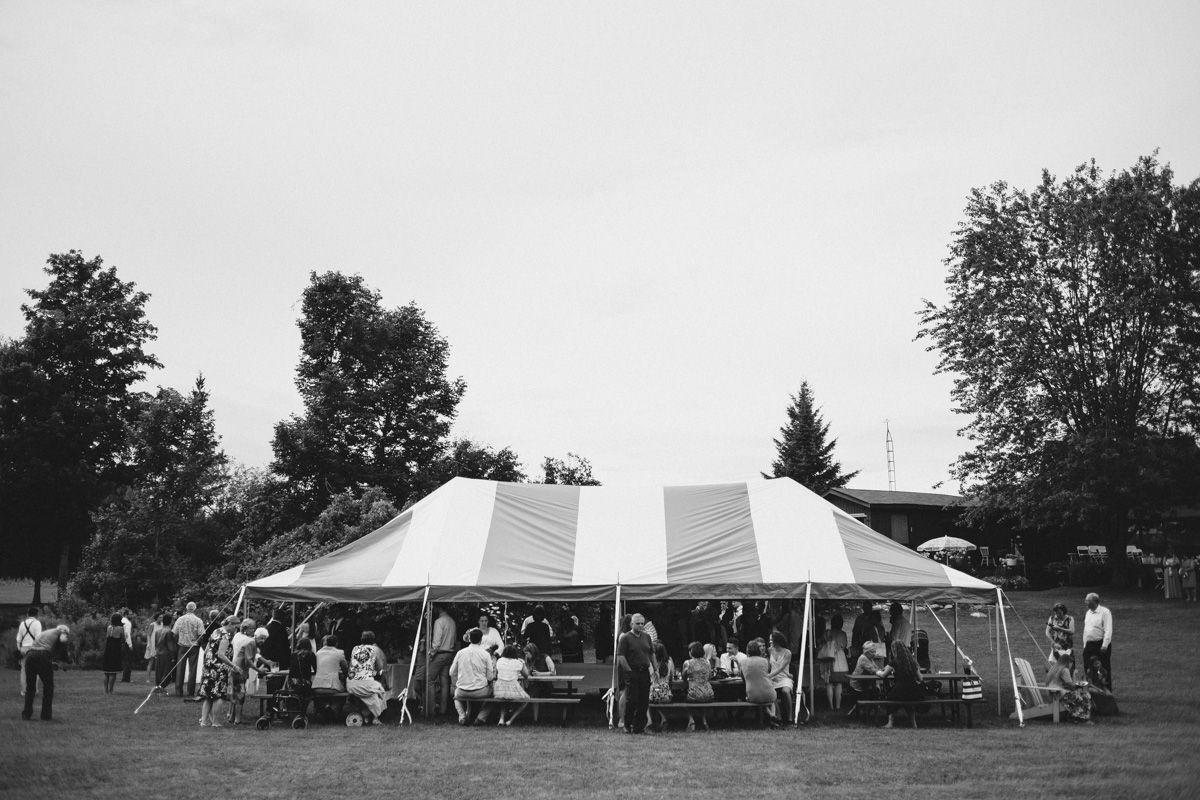 Sir-William-MacKenzie-Inn-wedding-Balsam-Lake-cottage-wedding-photoraphy-by-Sam-Wong-Visual-Cravings-ErinKyle_39