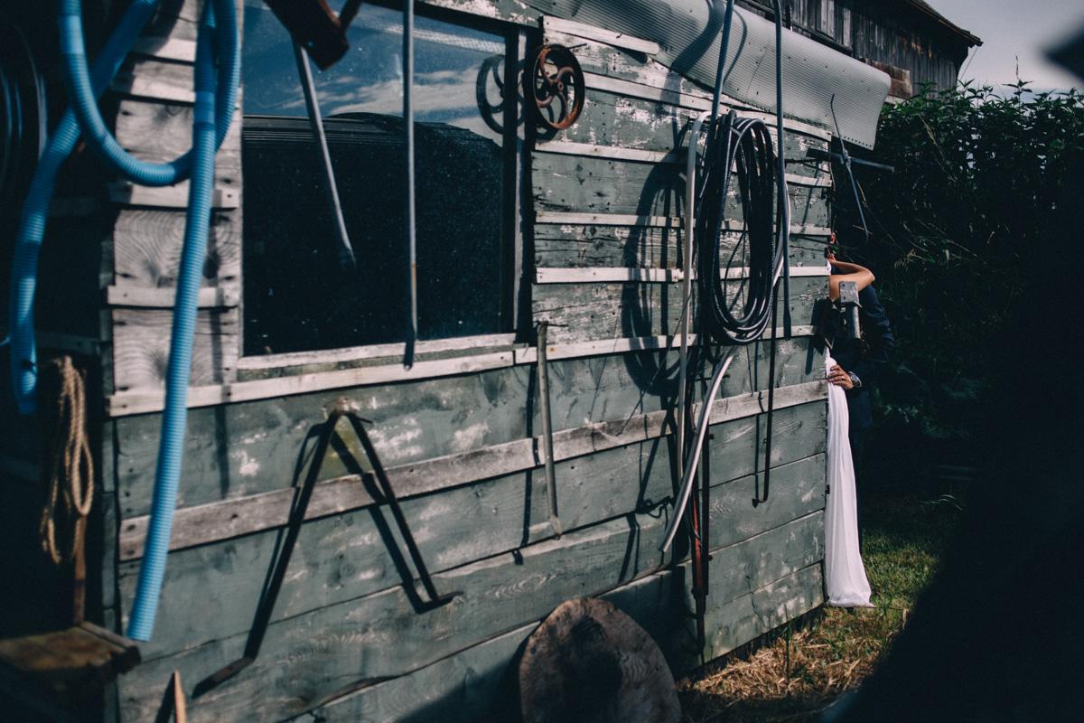 Sir-William-MacKenzie-Inn-wedding-Balsam-Lake-cottage-wedding-photoraphy-by-Sam-Wong-Visual-Cravings-ErinKyle_41