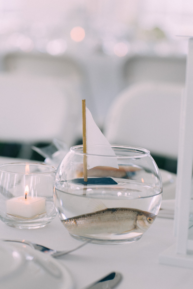 Sir-William-MacKenzie-Inn-wedding-Balsam-Lake-cottage-wedding-photoraphy-by-Sam-Wong-Visual-Cravings-ErinKyle_49