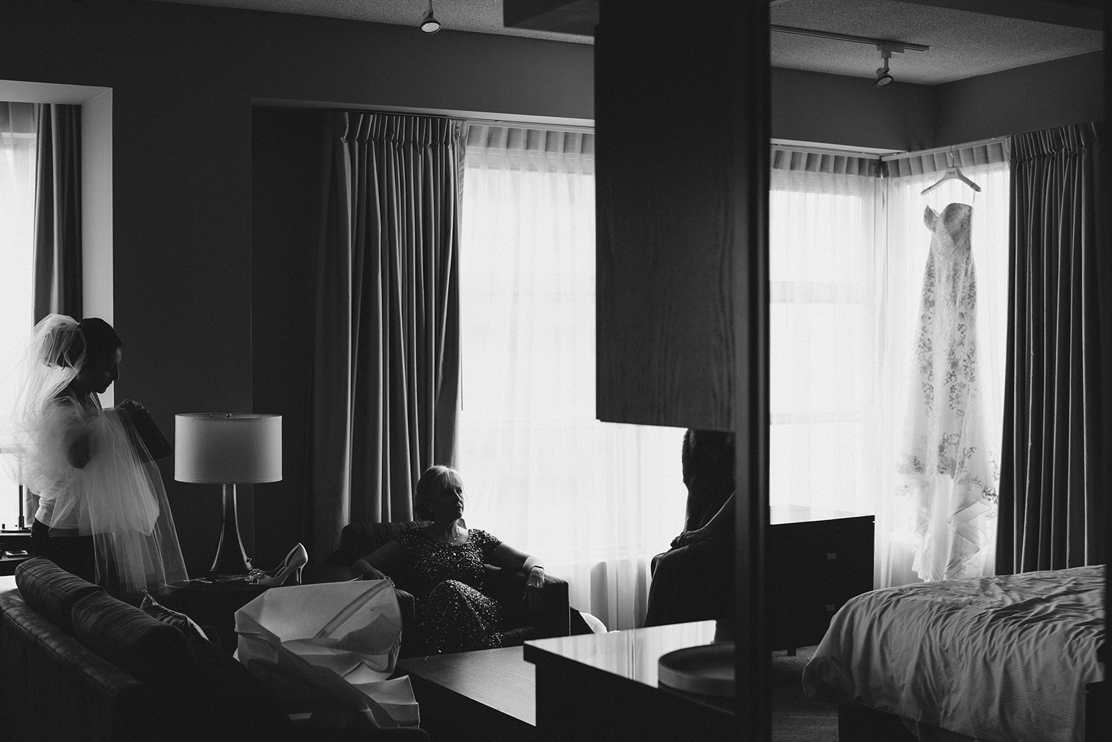 One-King-West-Toronto-wedding-photography_Sam-Wong-of-Visual-Cravings_KnR-02