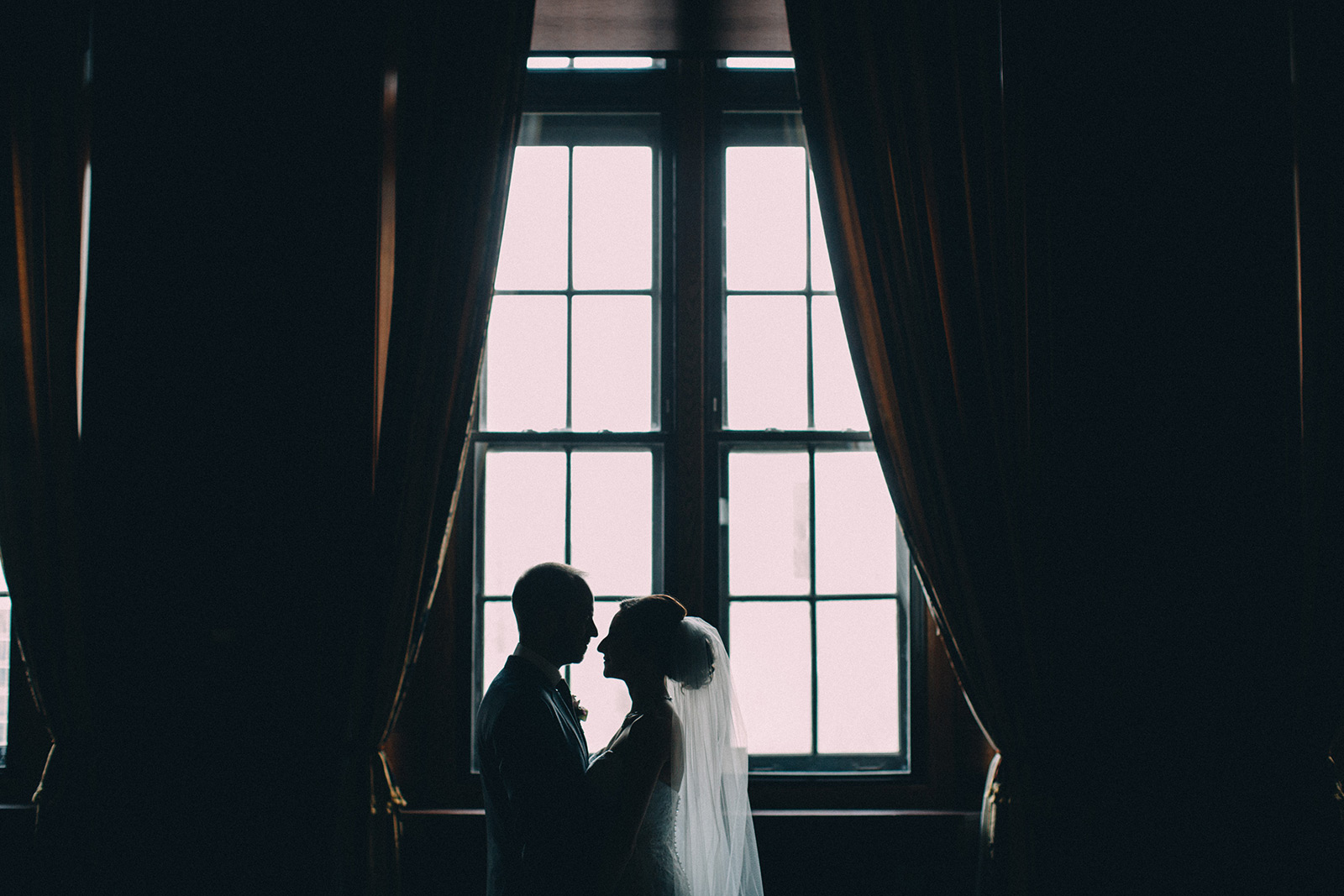 One-King-West-Toronto-wedding-photography_Sam-Wong-of-Visual-Cravings_KnR-23