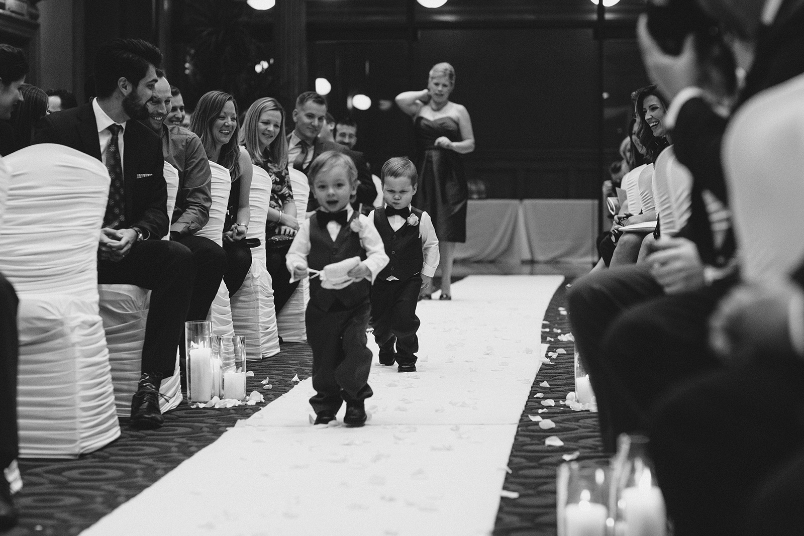One-King-West-Toronto-wedding-photography_Sam-Wong-of-Visual-Cravings_KnR-24