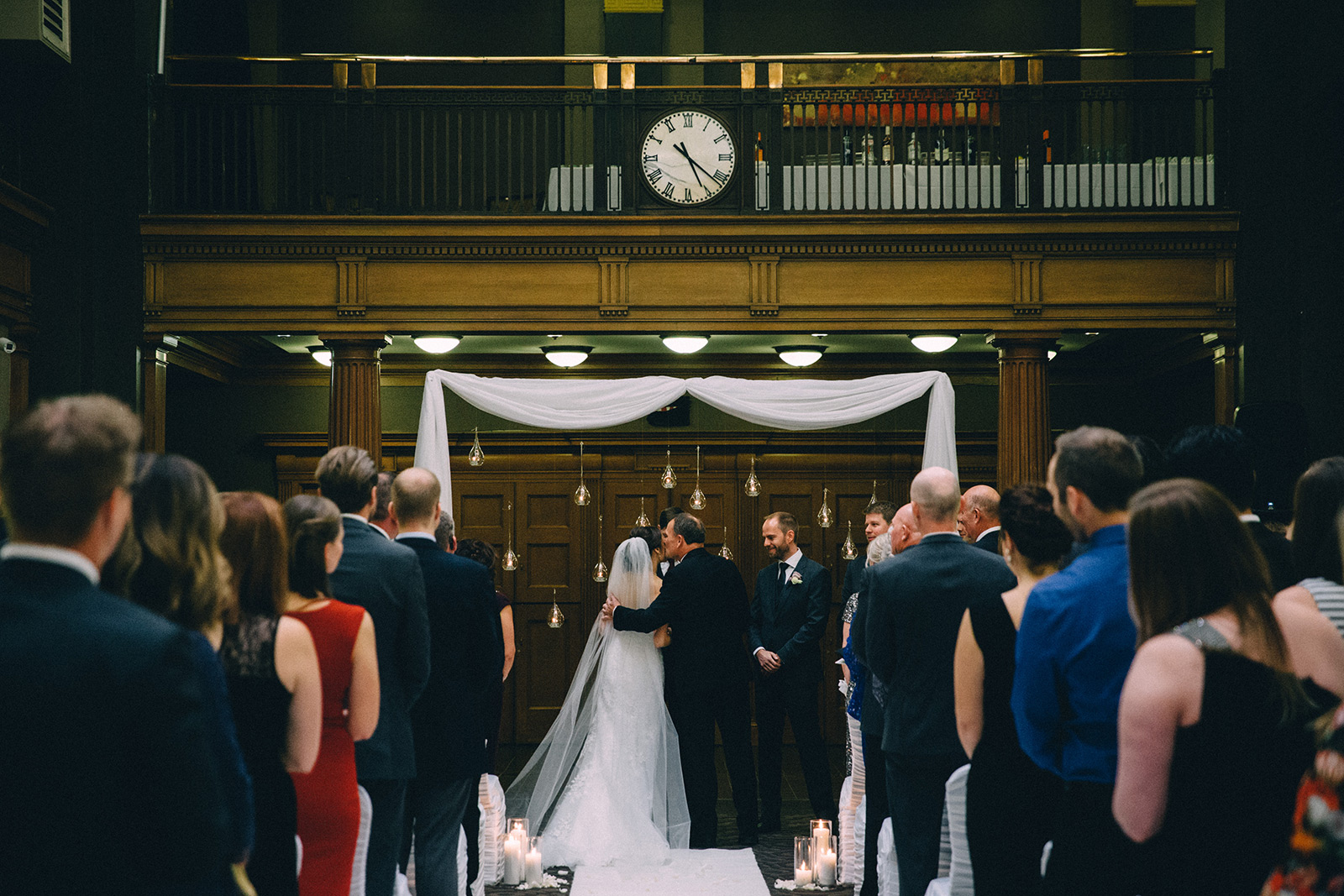 One-King-West-Toronto-wedding-photography_Sam-Wong-of-Visual-Cravings_KnR-26