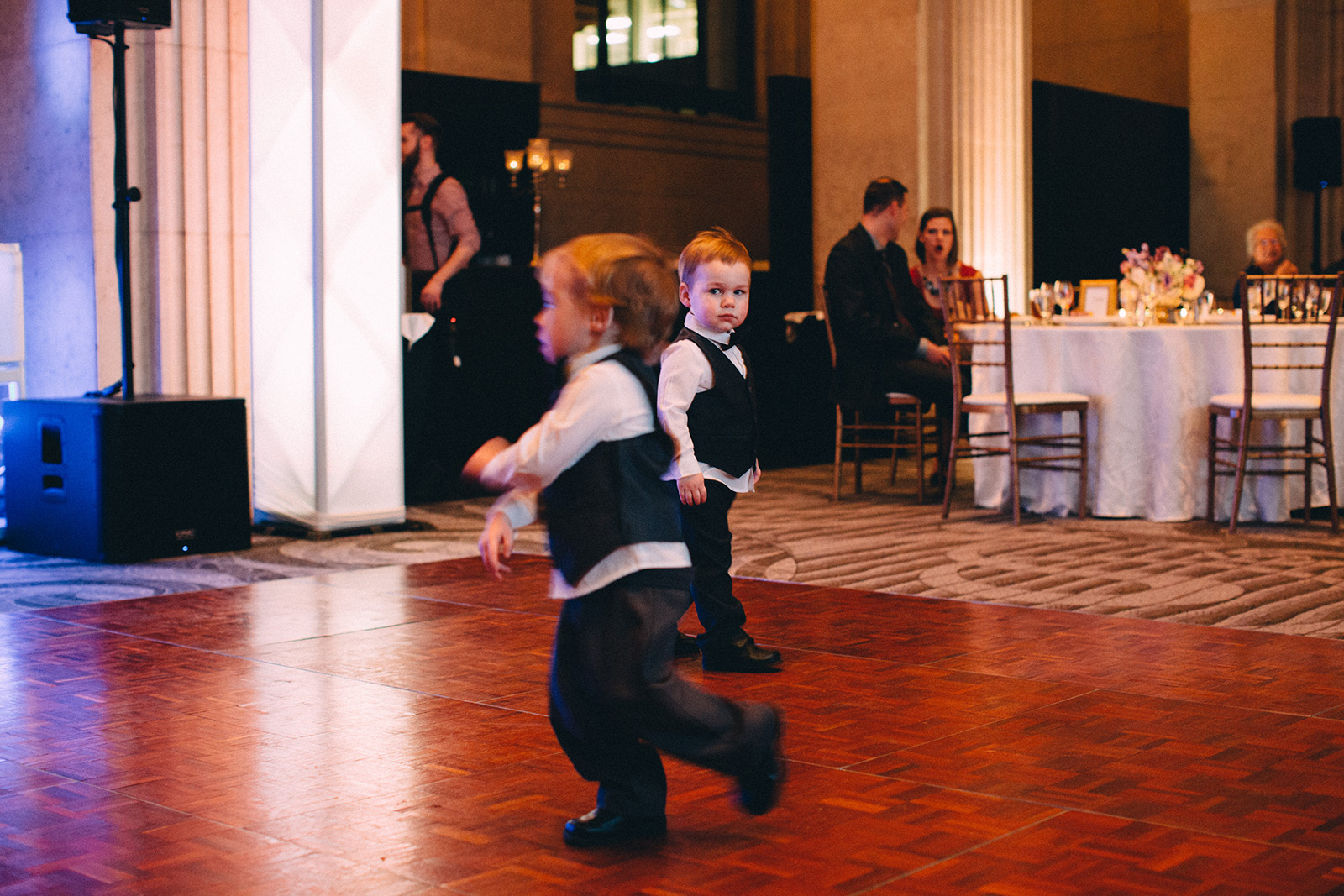 One-King-West-Toronto-wedding-photography_Sam-Wong-of-Visual-Cravings_KnR-34