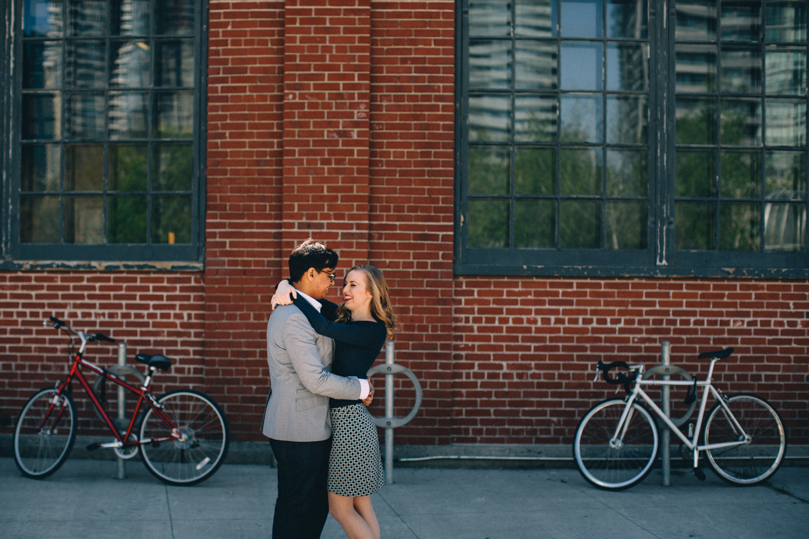 Toronto-engagement-photography-oliver-and-bonacini-Biffs-kw-visual-cravings-Sam-Wong_13