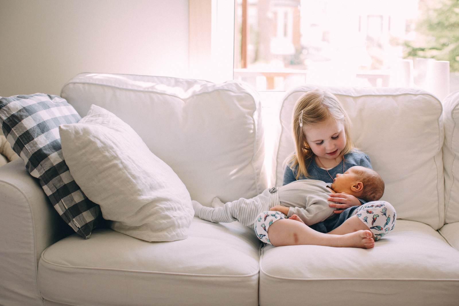 Toronto-lifestyle-newborn-family-portrait-session-visualcravings-sam-wong-teno's_05