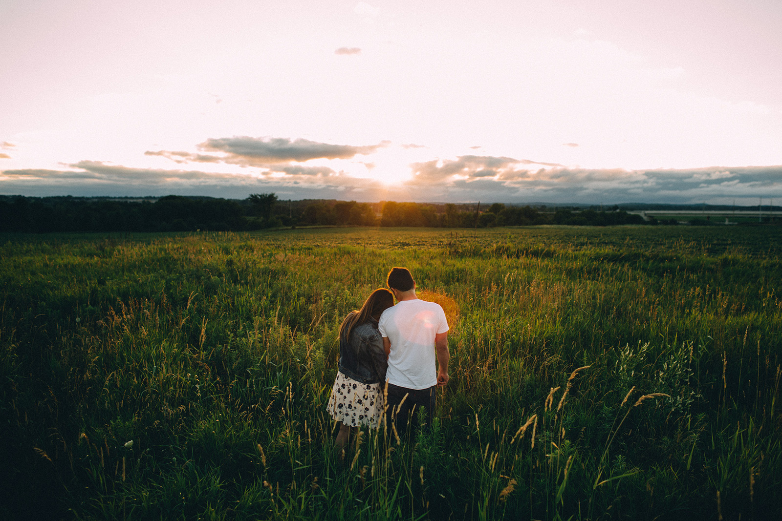 Rural-Ontario-modern-lifestyle-engagement-session-Sam-Wong-Visual-Cravings-AnJ_18