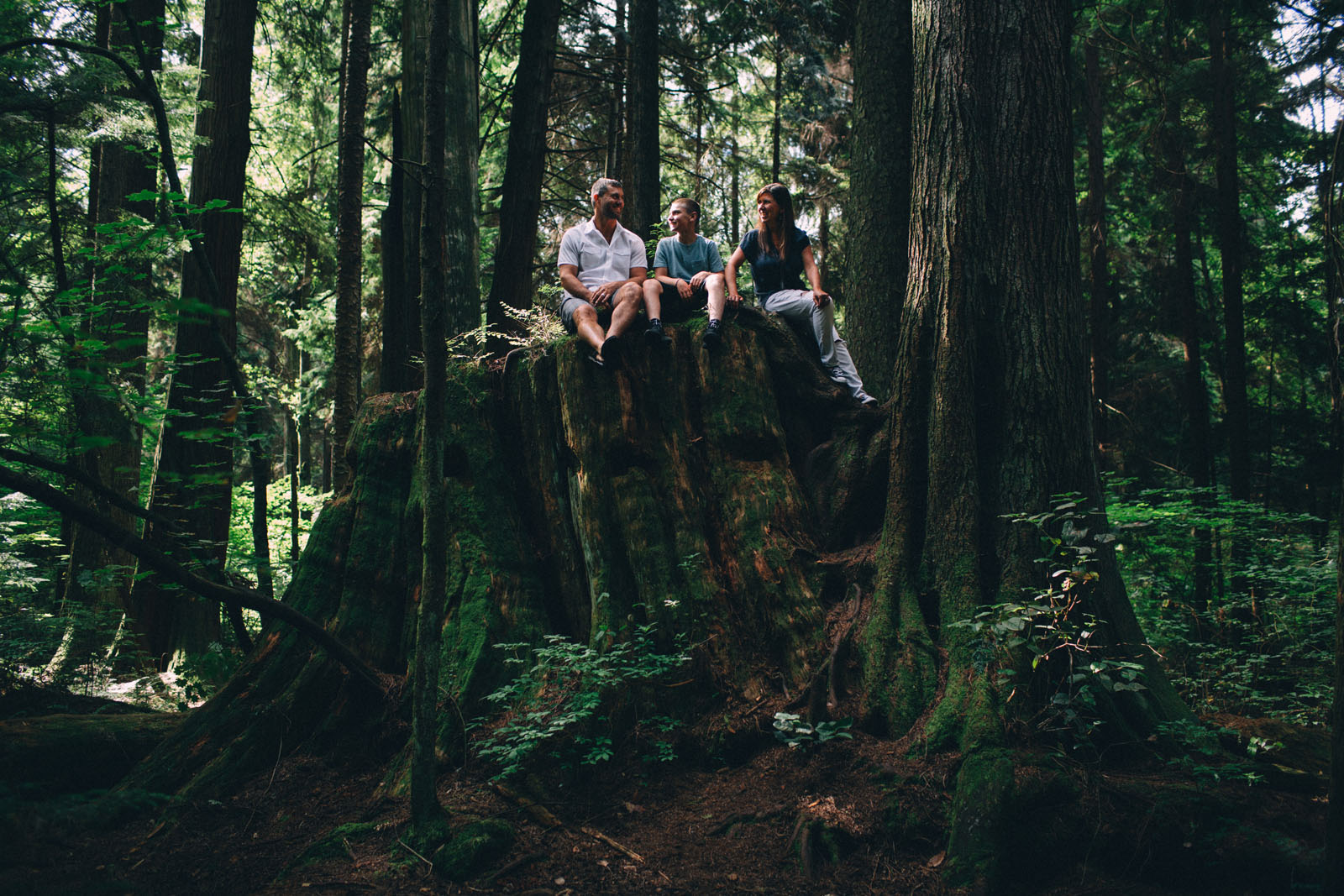 Stanley-Park-family-portrait-Vancouver-photographer-Sam-Wong-of-Visual-Cravings_07
