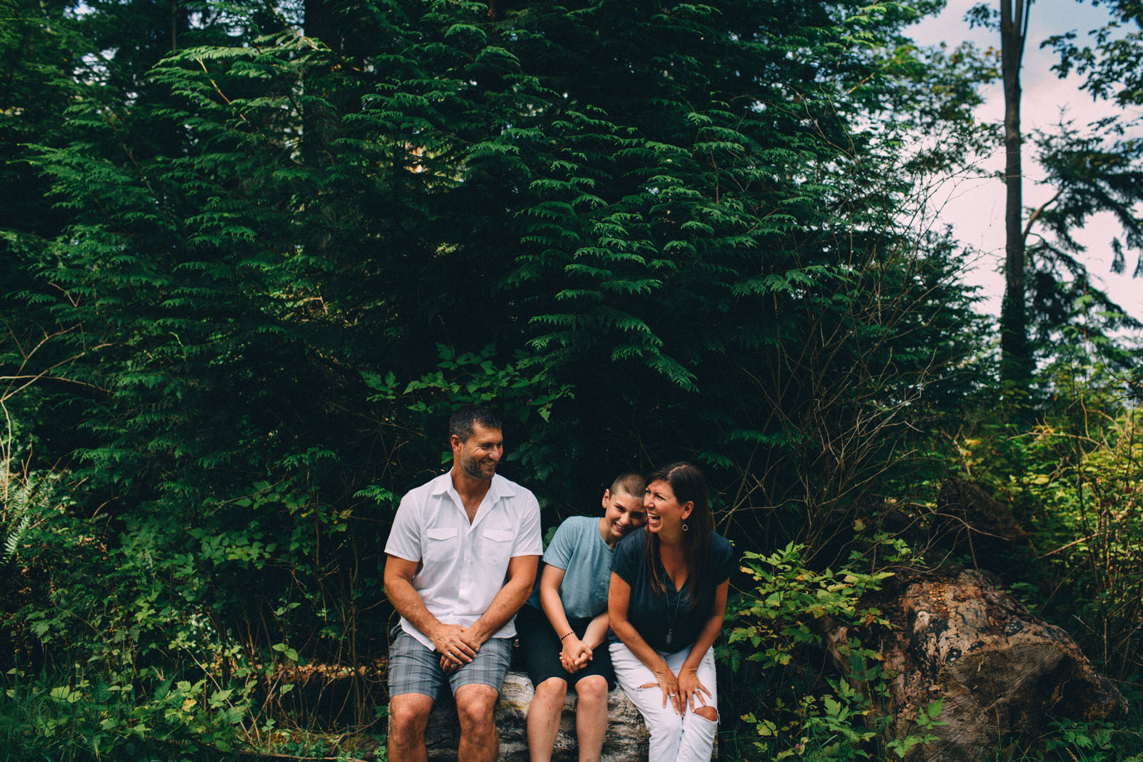 Stanley-Park-family-portrait-Vancouver-photographer-Sam-Wong-of-Visual-Cravings_13