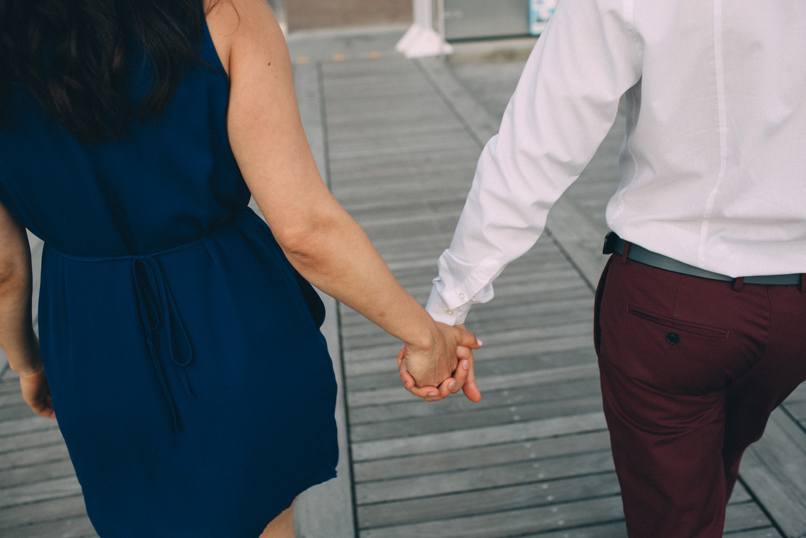 Toronto-waterfront-lifestyle-engagement-photography-by-Sam-Wong-Visual-Cravings_10