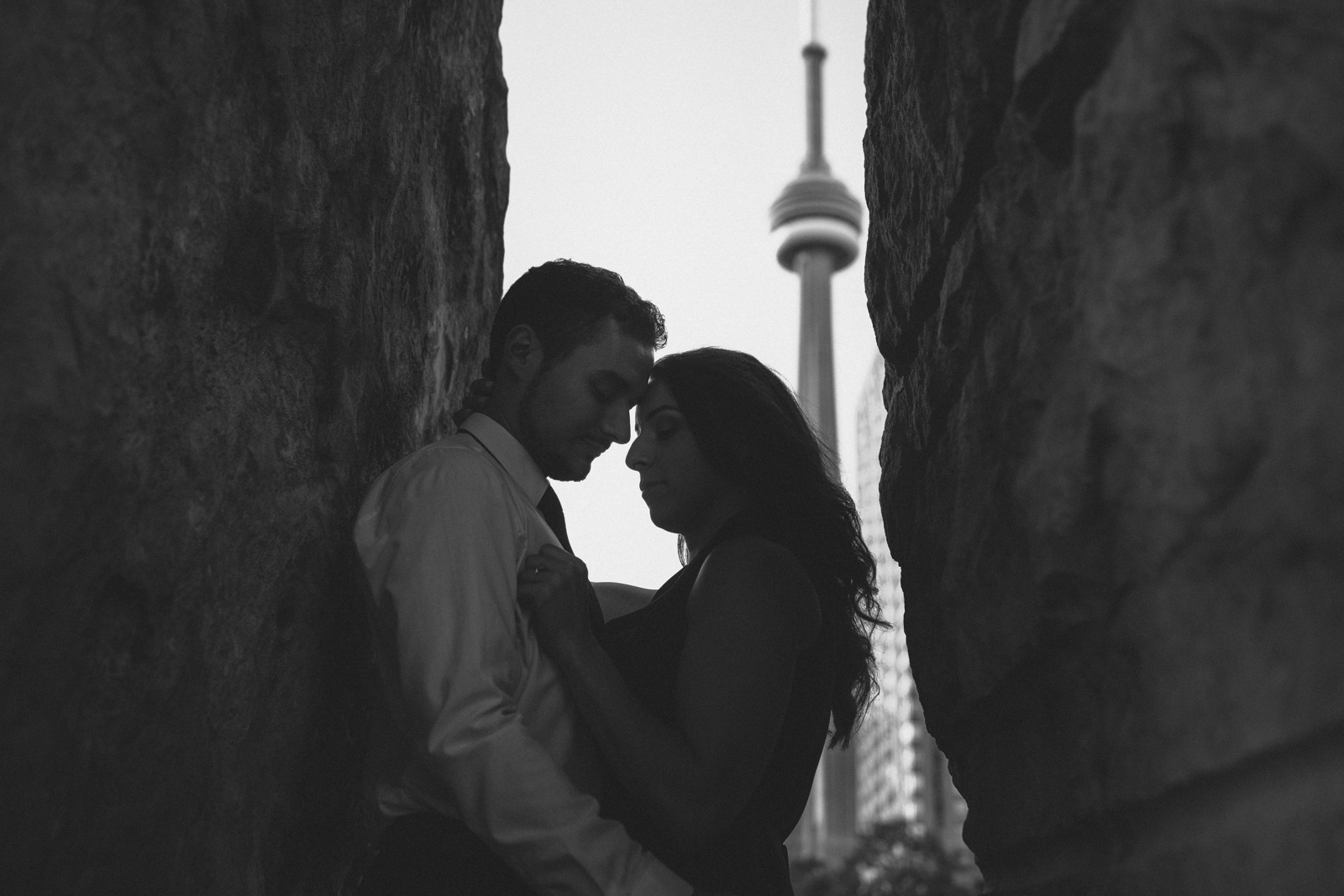 Toronto-waterfront-lifestyle-engagement-photography-by-Sam-Wong-Visual-Cravings_12