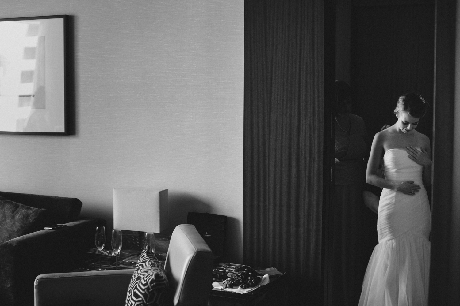 knox-college-toronto-wedding-photos-by-sam-wong-of-artanis-collective_12
