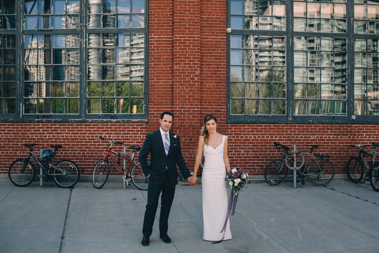 steam-whistle-brewery-wedding-photos-toronto-wedding-photography-by-sam-wong-of-artanis-collective_01001