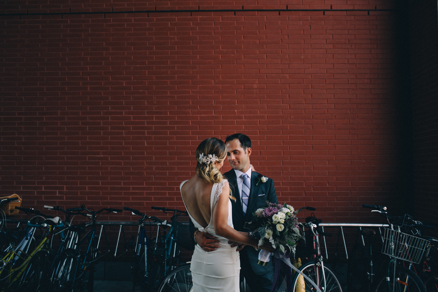 steam-whistle-brewery-wedding-photos-toronto-wedding-photography-by-sam-wong-of-artanis-collective_01031