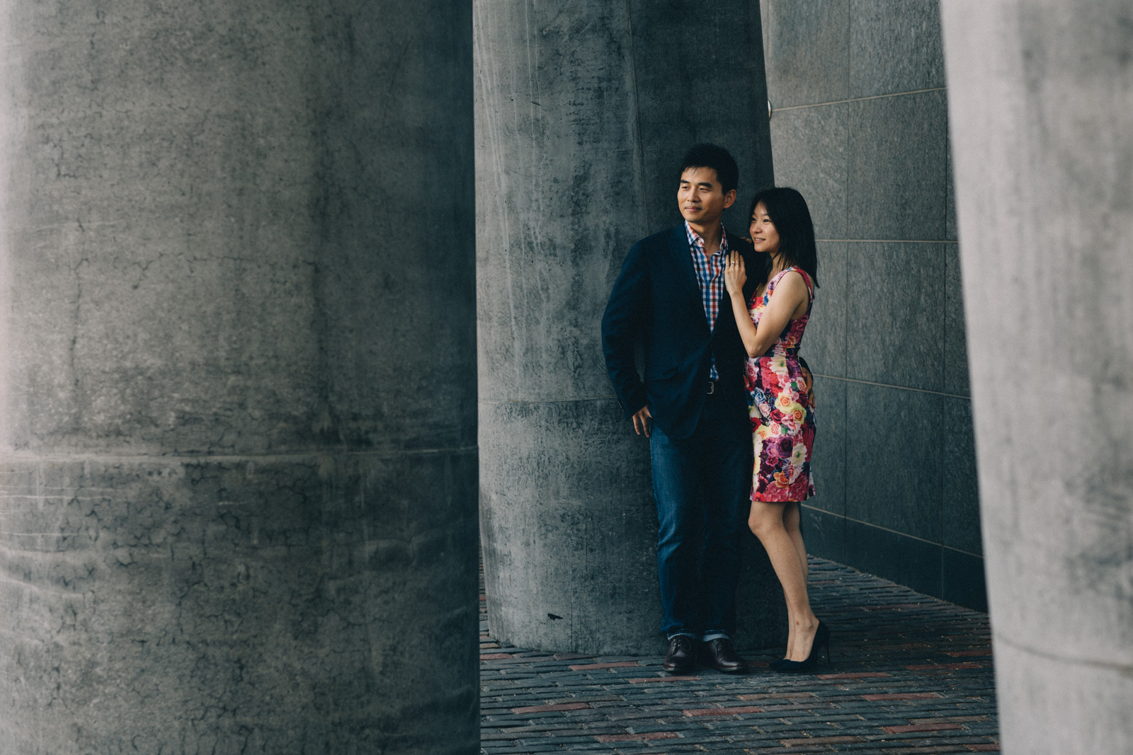 distillery-district-engagement-photos-toronto-wedding-photography-by-sam-wong-of-artanis-collective_007