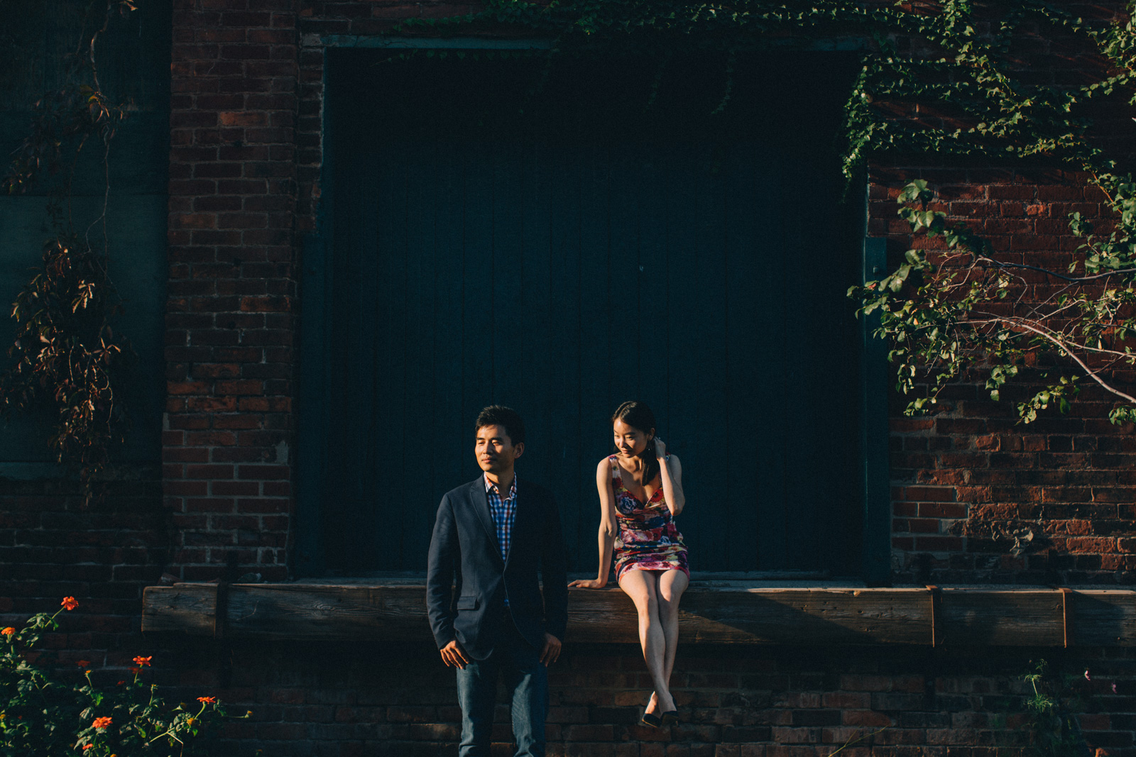 distillery-district-engagement-photos-toronto-wedding-photography-by-sam-wong-of-artanis-collective_009