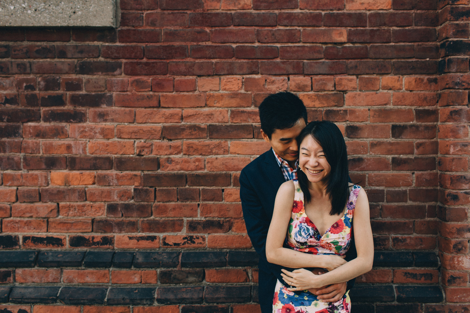 distillery-district-engagement-photos-toronto-wedding-photography-by-sam-wong-of-artanis-collective_011