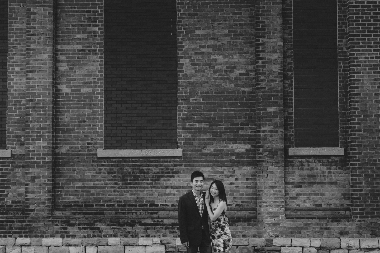 distillery-district-engagement-photos-toronto-wedding-photography-by-sam-wong-of-artanis-collective_019