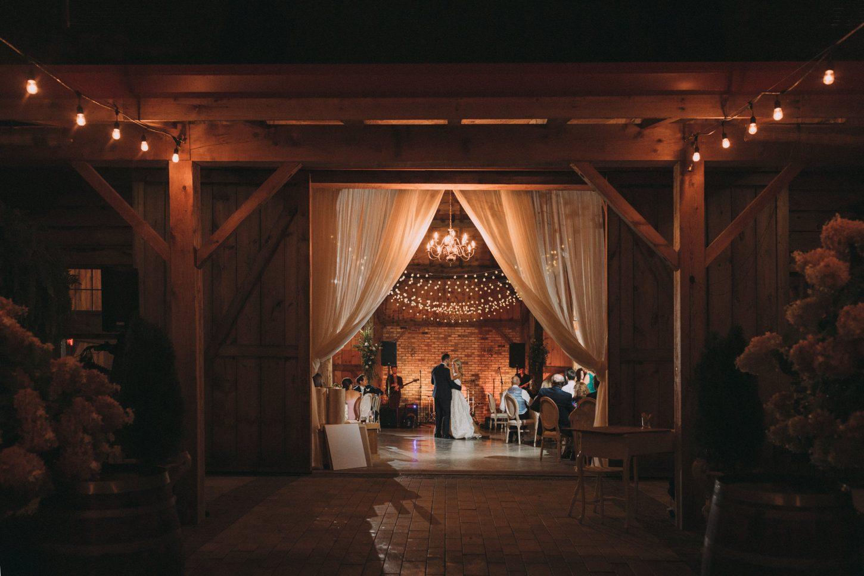 Intimate Niagara Barn wedding photography